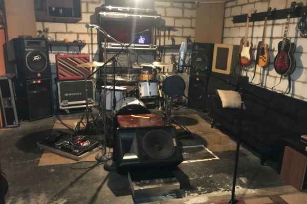 Private classroom, rehearsal and recording environment equipped with all the tools needed to bring students to the next level.