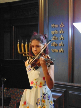 A Takelessons student performing at the spring recital.