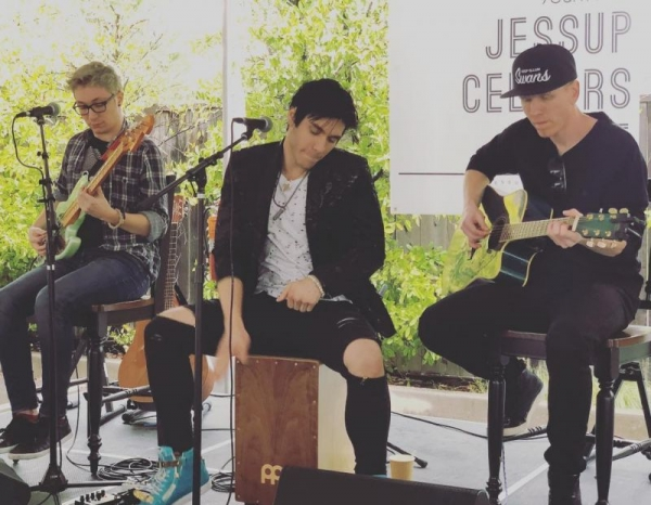 Justin Performing with Quiet on the Set at Jessup Wine Cellars in Napa Valley, CA