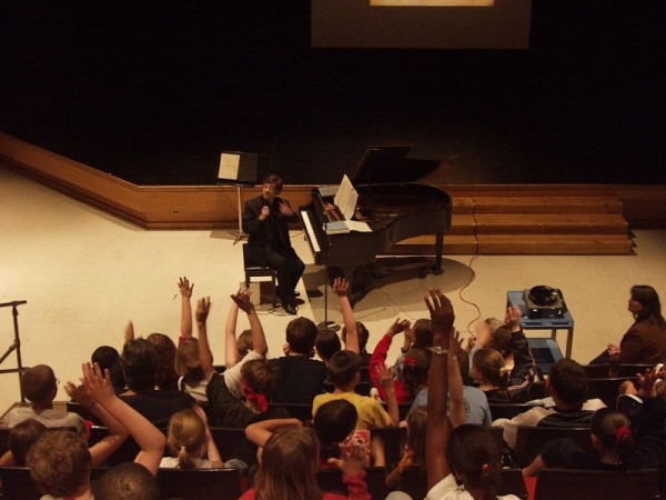 Our events for children to promote the awareness of great music and visual arts.