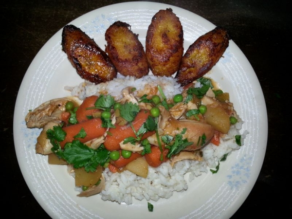 Cuban style chicken fricassee w/rice and sweet plantains