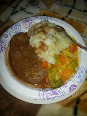 Turkey Meatloaf w/ Mashed Potatoes & Cheesy Vegetables