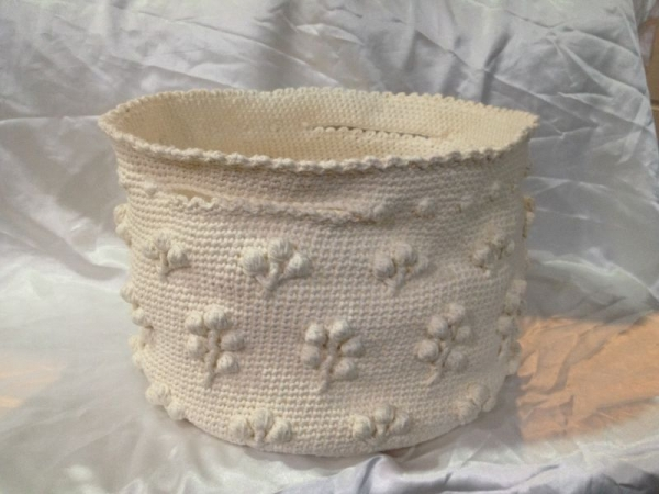 Crochet: Basket I designed for me.