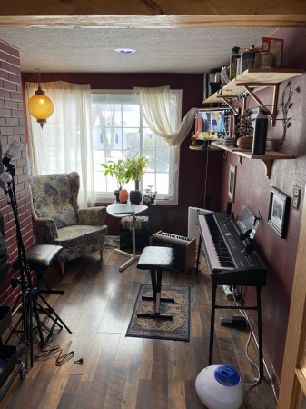 Fully appointed studio space in Kansas City, MO.