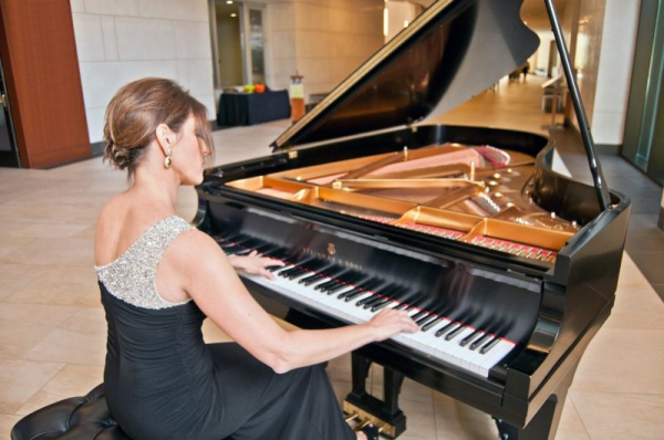 Michele Cohen at the Musical Instrument Museum