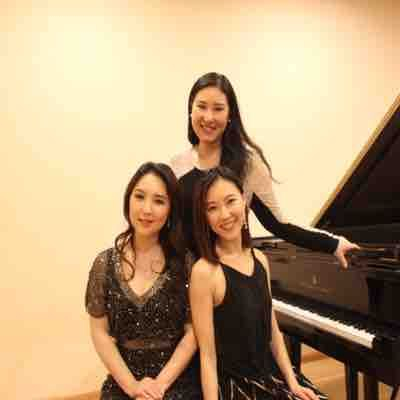 The Lee Sisters piano Duo concert