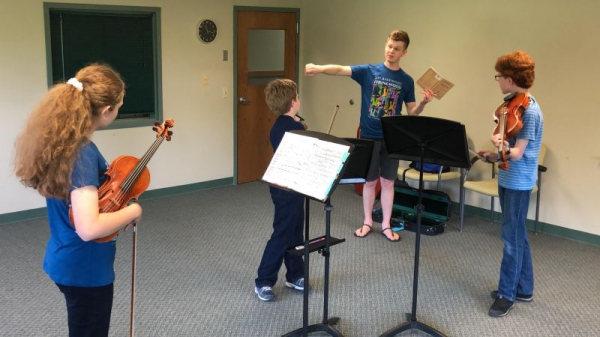 Lucas works with chamber music students at Stringwood Music Festival