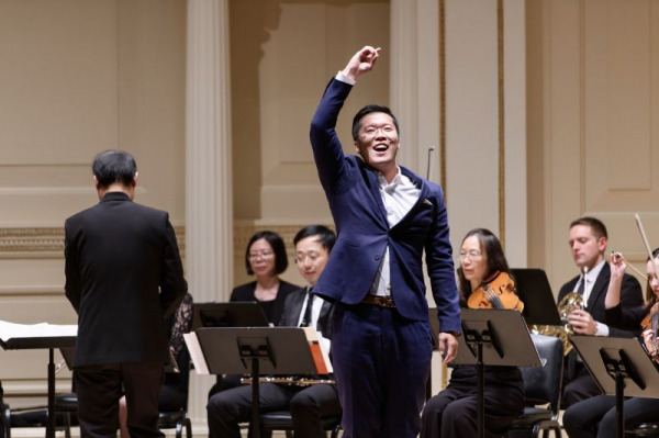 Returned to Carnegie Hall and performed an aria with Sino Culture Symphony orchestral.