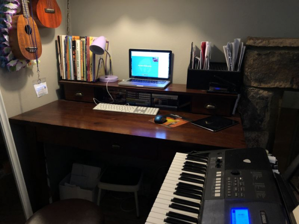 Live virtual lessons in the amazing TakeLessons.com classroom.  Bored at home?  Try online singing or ukulele lessons!