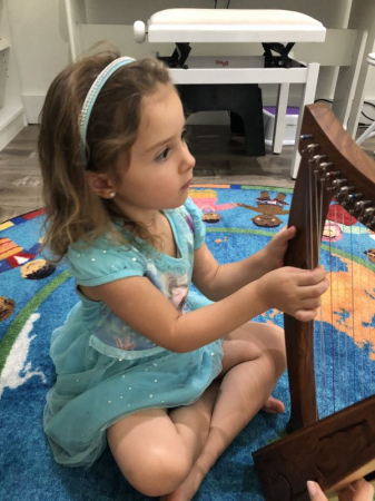 Montessori Music Program