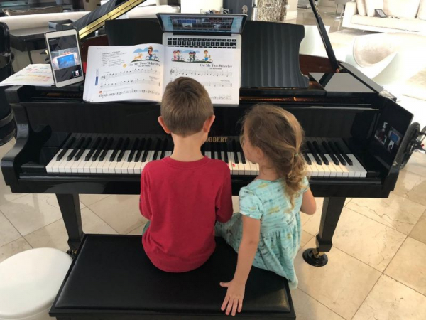 Online Piano Lessons 3 and 5 years old students