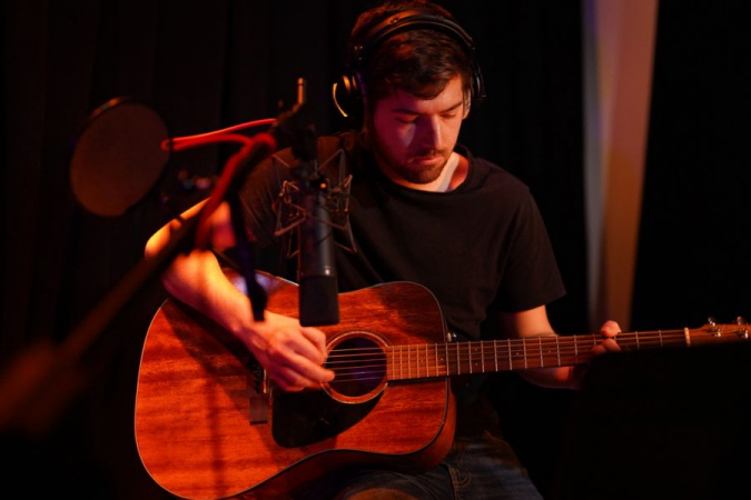 Recording acoustic guitar with a U87