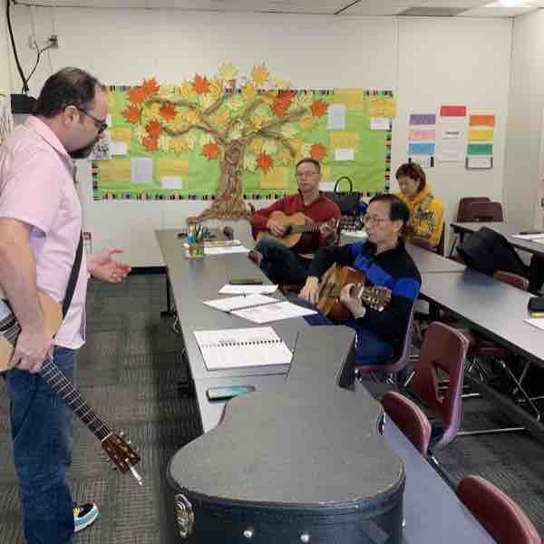 Group guitar lessons 🎸🎶