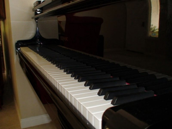 Full Size Grand Piano