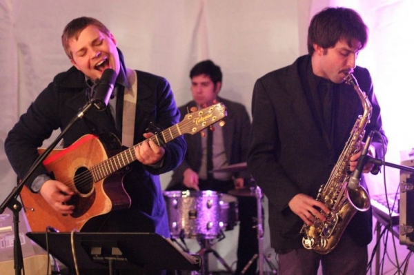 Playing saxophone with singer-songwriter Chris Maddin!