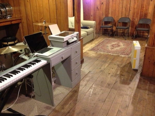 A view of the parents waiting room from the keyboard station in studio