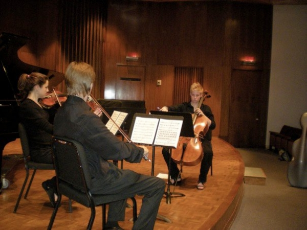 Warming up for a quartet recital performing Ravel and Beethoven - Caitlin is an active and enthusiastic chamber musician!