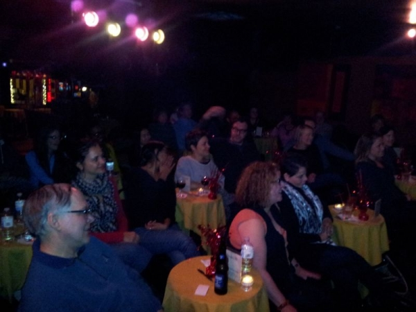 Crowd enjoying the Singer's Salon at 3160 Chicago's Piano & Cabaret, hosted by Wendy twice monthly.