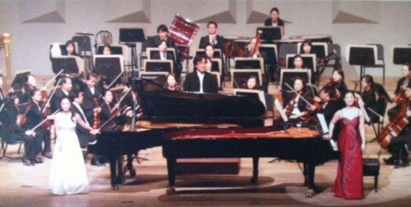 Two Piano concert with prime Philharmonic Orchestra in 2008
