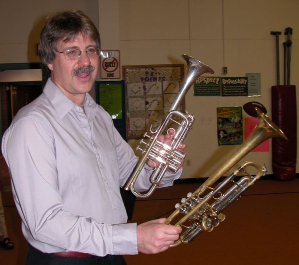 Presentation in an Elementary School - Explaining the difference between different trumpets
