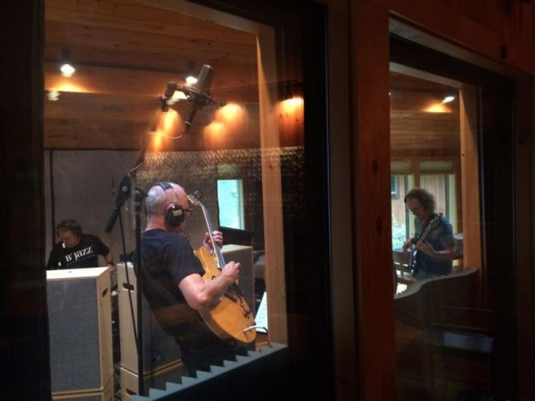 live in the studio with Mark Egan and John Hart
