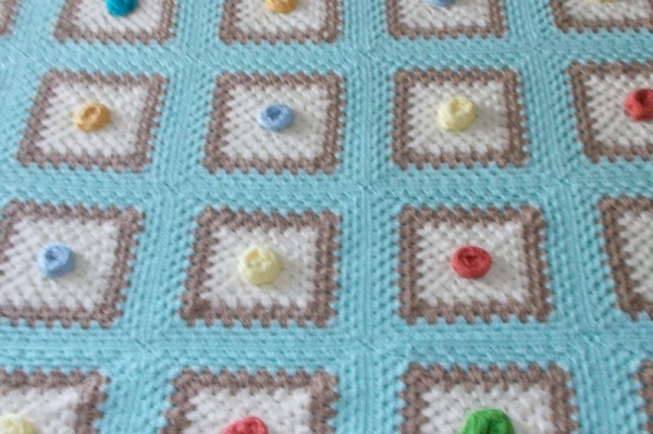 Granny square Afghan with Rosebuds  40x60