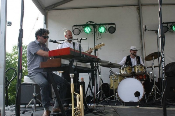 On Stage with Prior Avenue