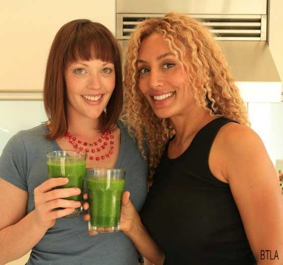 Making green smoothies that taste GOOD with Ava!
