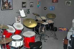 Private Lessons, fully furnished with two drum kits, practice mirror and state-of-the-art music system and video camera. Wifi access.