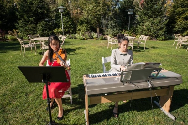 Playing at a wedding at Crest Hollow Country Club