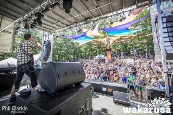 Live at Wakarusa.
