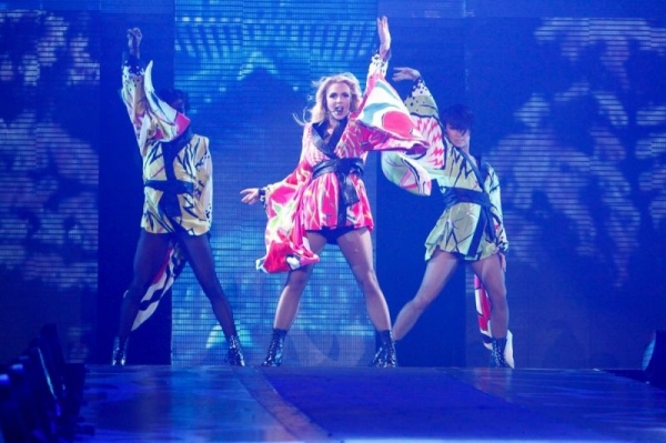 Dancing with Britney Spears on Femme Fatale World Tour