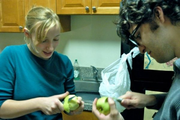 Teaching a friend how to make apple pie
