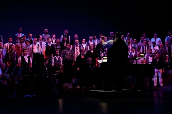 Conducting Seattle Men's Chorus.