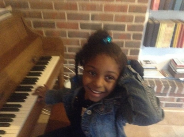This is Lauren...Age 6 Voice student and Piano.  I'll just say this is the future HUMMINGBIRD!!!