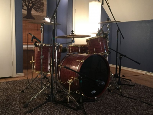 A Picture of the studio! All lessons are given in this room, on this drum set.