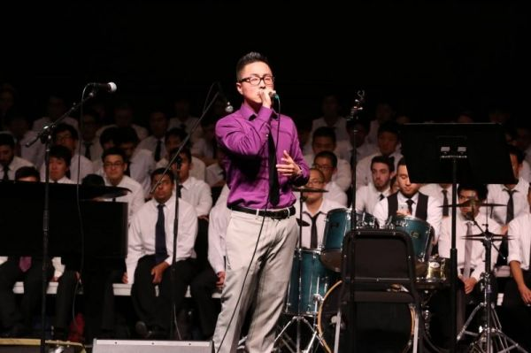 Lawrence singing in Mandeville Auditorium @ UCSD.
