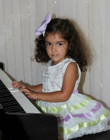 Liliette, 3 years old at the piano :)