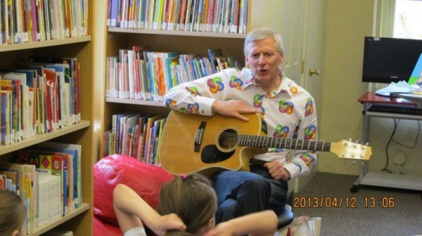Children's music-story workshop at Sprague Library, CT (2013)