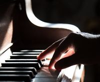 Piano for Beginners: Key Signatures & Playing in Different Keys