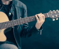 Guitar for Beginners: Switching from Strumming to Fingerpicking Patterns