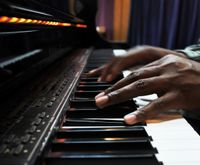 Piano for Beginners: An Intro to Reading Music & Finger Exercises
