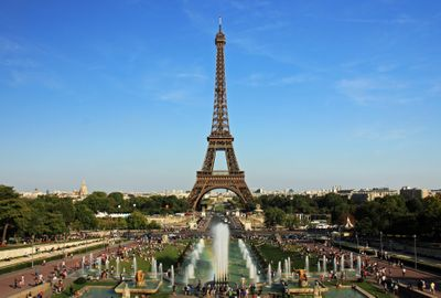V6RPPZ64S396ND7Q237B_Eiffel_tower_from_trocadero