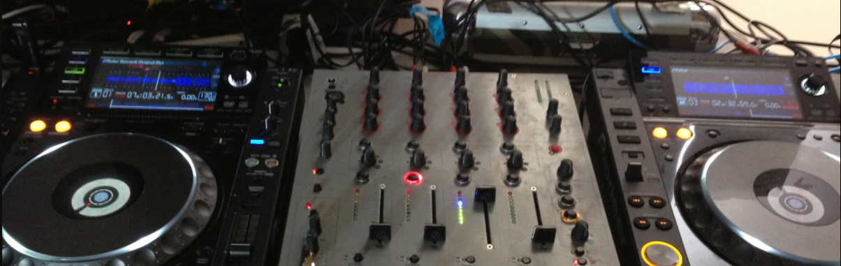 Picture of djing lessons in Corona del Mar, CA