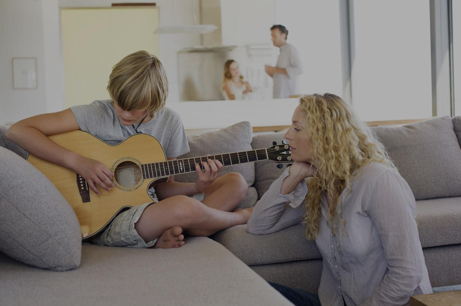 Picture of acoustic guitar lessons in Elk Grove, CA